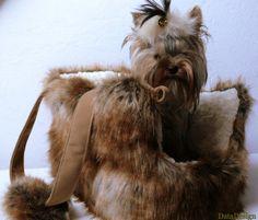 Posh Dog Carrier Purse Luxury Lynx Faux fur by DataDesignBoutique Lynx, Dog Carrier Purse, Dog Clothes Patterns, Pet Treats, Little Dogs, Yorkshire Terrier, Pet Accessories, Dog Design, Tea Cup