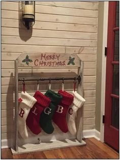 Awesome Country Christmas Decoration Ideas - A lot of country themed home are most likely to go for country Christmas decorations. Of course, country Christmas decorations will certainly complete. Christmas Stocking Holders, Christmas Stockings, Diy Stocking Holder, Christmas Projects, Holiday Crafts, Christmas Ideas, Wood Crafts For Christmas, Diy Christmas Home Decor, Diy Christmas Fireplace