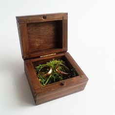 Woodland wedding Wedding rings box/engagement ring box, wedding pillow rustic looking old vintage rustic wedding moss - pinned by pin4etsy.com