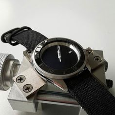 Seiko Stealth Monochrome Mod by - see other awesome mods on his IG Seiko Skx007 Mod, Seiko Mod, Seiko Watches, Bracelets For Men, Smart Watch, Monochrome, Watches For Men, Awesome, Instagram