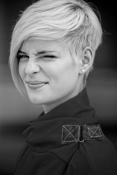 Short and sassy Pixie Hairstyles, Long Face Hairstyles, Modern Hairstyles, Undercut Hairstyles, Hairstyles Haircuts, Short Hairstyles For Women, Straight Hairstyles, Black Hairstyles, Celebrity Hairstyles