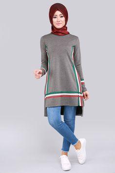 Knit Fashion, Sport Fashion, Hijab Fashion, Fashion Outfits, Design Kaos, Nike Tech Fleece, Mode Hijab, Hijab Outfit, Sport Wear