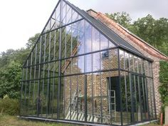 Climapod Greenhouses - the most complete greenhouse solution! - Karlheinz Schof - Climapod Greenhouses - the most complete greenhouse solution! ❗ Greenhouse Kits Using Ideas attached to house kitchens Greenhouse Attached To House, Home Greenhouse, Greenhouse Growing, Greenhouse Wedding, Greenhouse Ideas, Earthship, Future House, My House, Luz Solar