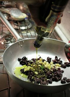 Enjoy an authentic Italian cooking lesson on VBT's Tuscan Coast vacation. Tuscany Food Italy Cooking