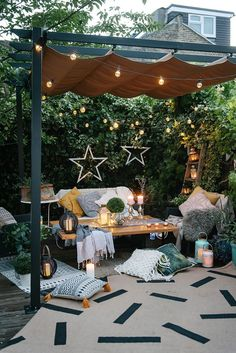 Indoor Garden The Natural Environment, Biophilic Design, Our Homes & Our Wellbeing Outside Living, Outdoor Living, Rustic Outdoor Decor, Backyard Patio Designs, Backyard Decorations, Patio Ideas, Backyard Ideas, Table Decorations, Home Landscaping