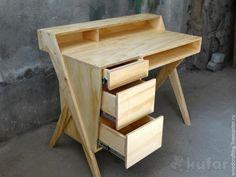 Рабочий стол - из дерева -ручной работы