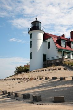 Point Betsie Lighthouse  Lake Michigan  Google Image Result for http://www.planetware.com/i/photo/lake-michigan-shore-mi270.jpg