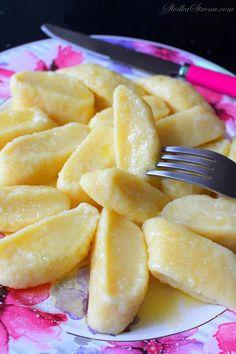 Leniwe Pierogi - Przepis - Słodka Strona Polish Recipes, Tortellini, Dumplings, Good Food, Brunch, Food And Drink, Cooking Recipes, Homemade, Pierogi