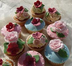 Pink & Blue - Vintage Cupcakes