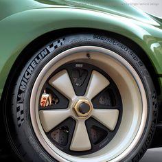 いいね!34.1千件、コメント171件 ― Singer Vehicle Designさん(@singervehicledesign)のInstagramアカウント: 「1990 Porsche 911 restored and modified by Singer Vehicle Design using results of Dynamics and…」