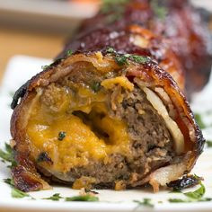 BBQ Bacon Onion Meatball Bomb by Tasty (video) Meat Recipes, Dinner Recipes, Cooking Recipes, Cooking Tips, Tasty Videos, Food Videos, Bacon Meatball Recipe, Onion Meatball Bombs, Bbq Bacon