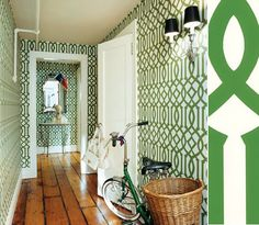 This was the image that introduced me to Imperial Trellis.  From sadie + stella: Pawley's Island Posh Monday Musings: Wallpaper