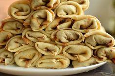 Clătite de post: Rețeta simplă care te va cuceri - Stirile Kanal D No Cook Desserts, Picnic, Stuffed Mushrooms, Deserts, Beans, Pizza, Diet, Vegetables, Cooking