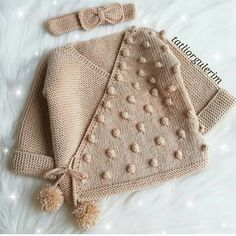 Best 11 How to make a Knitted Kimono Baby Jacket – Free knitting Pattern & tutorial – SkillOfKing. Baby Cardigan Knitting Pattern, Knitted Baby Cardigan, Knit Baby Sweaters, Easy Knitting Patterns, Knitting For Kids, Baby Patterns, Baby Knitting, Knitted Hats, Baby Sewing