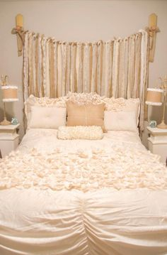Shabby chic bedroom designs give your space a cozy, homey feeling. Make your room look truly unique with the best decor ideas! 29 Creative Shabby Chic Bedroom Decor Ideas To Try For Your Cottage Shabby Chic Bedrooms, Shabby Chic Homes, Shabby Chic Furniture, Furniture Vintage, Whimsical Bedroom, Vintage Bedrooms, Victorian Bedroom, Romantic Bedrooms, Pink Bedrooms