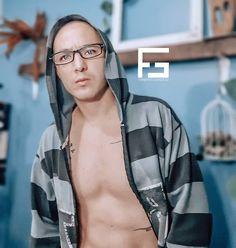 "4 Me gusta, 1 comentarios - fernando gonzalez oficial (@fernandogonzalezoficial.1) en Instagram: ""✌ . . . . . . . . . . . . . . #selfie #instaselfie #instagay #boy #instaguy #instapic #instaphoto…"" Selfies, Instagram Selfie, Fernando Gonzalez, Gay, Fashion, Templates, Men, Moda, Fashion Styles"