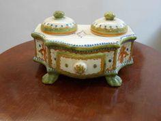 Calamaio con vaschette per inchiostro in ceramica decorata a mano
