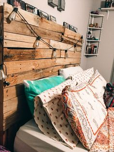 - A mix of mid-century modern, bohemian, and industrial interior style. - Home Decor - Cowgirl Bedroom, Western Bedroom Decor, Western Rooms, Western Decor, Cute Room Ideas, Cute Room Decor, Room Ideas Bedroom, Bed Room, Aesthetic Bedroom