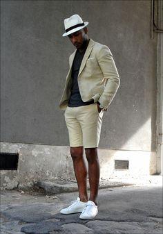 ショーツのスーツ