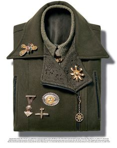 living-gazette-blog-moda-editorial-estilo-broches-jaqueta-militar
