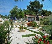 Garten der Villa in Milna