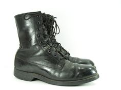combat boots womens 7 B M black steel toe leather by moivintage