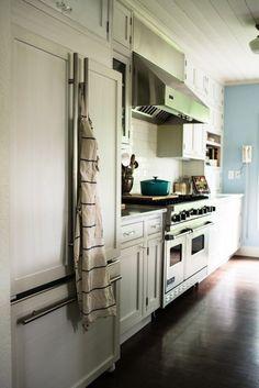 Hidden fridge and nice oven/stove