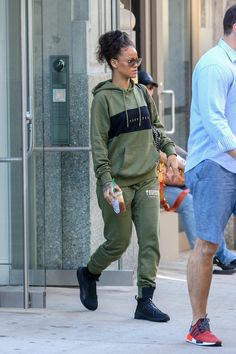 """Rihanna in New York City preparing for MTVs VMA Awards on August 28, 2016. Rihanna will be this year's recipient of the Michael Jackson Video Vanguard Award at the 2016 MTV Video Music Awards. The Barbadian pop star is also nominated for four Moonmen at this year's ceremony with two nods each for """"Work"""" featuring Drake and Calvin Harris' """"This Is What You Came For."""""""