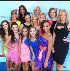 Dance moms at the Teen Choice Awards! Dance Moms Dancers, Dance Mums, Dance Moms Girls, Dance Moms Pyramid, Dance Moms Quotes, Watch Dance Moms, Dance Moms Comics, Show Dance, Cute Young Girl