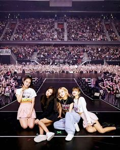 Kpop Girl Groups, Korean Girl Groups, Kpop Girls, Black Pink Kpop, Rose Icon, Blackpink And Bts, Blackpink Jisoo, Blackpink Jennie, Yg Entertainment