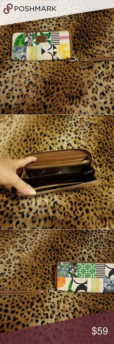 COACH WALLET Beautiful Coach wallet NWOT Coach Bags Wallets