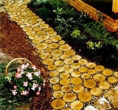 Как собственными руками сделать садовую дорожку? Материал для мощение садовой дорожки.