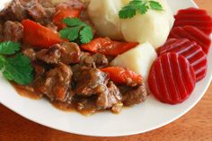 Swedish Kalops, an authentic and traditional beef stew slow simmered with vegetables, white peppercorns and allspices berries. Swedish Cuisine, Swedish Dishes, European Cuisine, Swedish Recipes, Swedish Foods, Beef Recipes, Cooking Recipes, Vegan Recipes, Viking Food