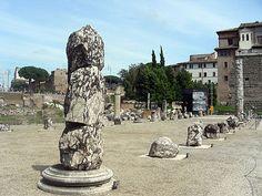 La Basílica Emília) va ser una important construcció civil de l'època de la República Romana.