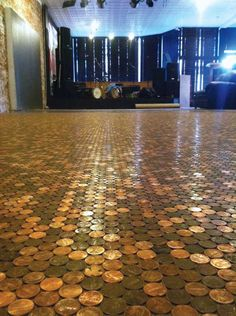 """Def good for a floor in a vegas themed bathroom. But maybe all different coins or poker chips :)   """"Basement floor?:Penny floor!  Unique Flooring: 5 Low-Cost DIY Ideas - Green Homes - Natural Home & Garden"""""""