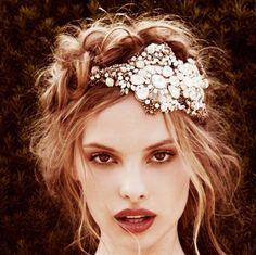 Tocados en la frente, novias al estilo años 20s… *SOLO INSPIRACIÓN  Para ver más tocados en la frente:  http://www.wedstyle.com.ar/wedstyle/blog/tocados-en-la-frente-novias-al-estilo-anos-20s-solo-inspiracion/