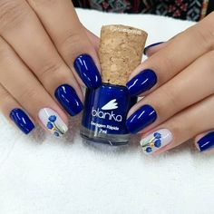 26 Ideias de Unhas com adesivos de Flores Diy Nail Designs, Simple Nail Art Designs, Colorful Nail Designs, Stylish Nails, Trendy Nails, Nail Art Printer, Blue Matte Nails, Pretty Toe Nails, Indigo Nails