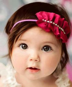 Cute Baby Girl Awesome Looks Cute Little Baby Girl, Cute Baby Girl Pictures, Baby Girl Images, Pretty Baby, Little Babies, Baby Photos, Baby Love, Cute Babies, Baby Kids