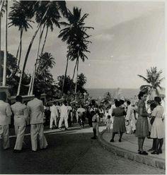 Procissão Religiosa nas Ladeiras de Olinda, Rua Bispo Coutinho - Sítio Histórico, Olinda 1940.   Foto: Benício Whatley Dias/ Acervo Fundaj.