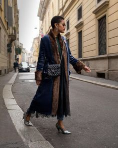 velvet fur coat and lace Duster Coat, Fur Coat, Consumer Behaviour, Pretty Birds, Personal Style, Kimono Top, Velvet, Street Style, Conversation