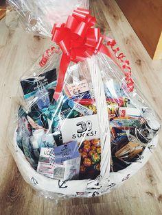SURVIVAL KIT ZUM 30. GEBURTSTAG  Wenn ihr eine tolle DIY Geschenkidee braucht, dann schaut auf unserem Blog vorbei: http://maisonjaloves.blogspot.de/2017/10/survival-kit-zum-30-geburtstag.html  #survivalkit #geschenkidee #diy #rundergeburtstag #geschenkkorb #geburtstagsgeschenk #birthdaypresent #30sucks #maisonjaloves