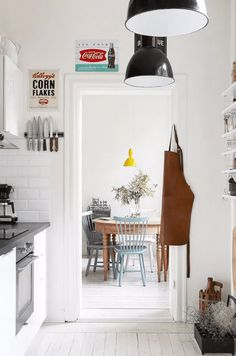 Small Kitchen Makeover 25 Absolutely Beautiful Small Kitchens That Prove Size Doesn't Matter - These petite culinary spaces are inspiring proof that you can have high-style in small quarters. Read for 25 small kitchen ideas. Swedish Kitchen, Scandinavian Kitchen, Industrial Scandinavian, Vintage Industrial, Country Kitchen, Apartment Kitchen, Home Decor Kitchen, Kitchen Ideas, Kitchen Designs
