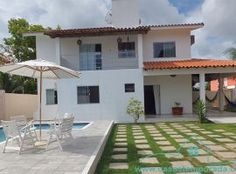Casa bem aconchegante para temporada em Porto Seguro na Bahia, localizada a 1.300 m da Praia de Mundaí e 1.500 m do Toa Toa.  Acomoda 16 pessoas. Clique na foto e saiba mais....