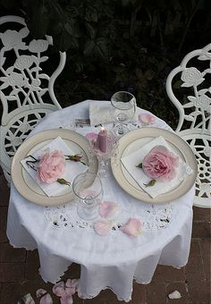 So romantic and vintage makes it extra special