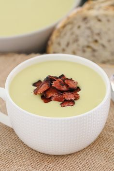 A creamy Potato & Leek Soup with crispy bacon that will be on the table in 30 minutes. the perfect winter soup recipe (both conventional and Thermomix recipe instructions are included below). Leek And Cauliflower Soup, Creamy Potato Leek Soup, Real Food Recipes, Soup Recipes, Cooking Recipes, Gnocchi Recipes, Thermomix Soup, Thermomix Recipes Healthy, Cooking Cream