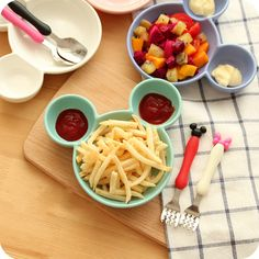 Creative Cute Cartoon Child Food Container Ceramic Dishes & Plates Tableware French fries Sub-grid Plate with Fork and Spoon