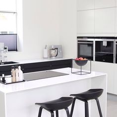 My 4 Favourite Danish Kitchens Danish Kitchen, Nordic Kitchen, Scandinavian Kitchen, Open Kitchen, Kitchen Dining, Scandinavian Style, Hay Design, By Lassen, White Houses