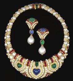images of cabachon sapphire parure Bulgari Jewelry, Luxury Jewelry, Pearl Jewelry, Antique Jewelry, Vintage Jewelry, Jewellery, Vintage Brooches, Crystal Jewelry, Silver Jewelry