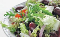 Πράσινη σαλάτα με ανθότυρο - iCookGreek Lettuce, Cabbage, Salads, Vegetables, Food, Veggies, Vegetable Recipes, Meals, Cabbages