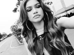 """""""Friends are by your side, smiling at you, enjoying the fun times, and doing everything you do!"""" -Zendaya"""